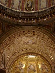 The cupola above the alter at Szent István